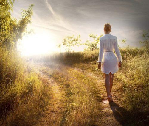 Meditare mentre si cammina